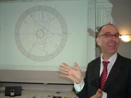 Webinar: Horoskope deuten üben