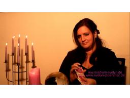 Webinar: Ihre Frage & Botschaft von TV Hellseherin Evelynn Störzner