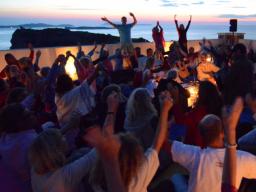 Webinar: Impuls Webinar live aus Korfu: ALLEins - Meditation auf dem Weg der Veränderung