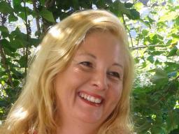 Webinar: Channeling und individuelles Wirken Shakti u. Lady Nada: Tiefenheilung Deiner Weiblichkeit-Multidimensionale Lichtmedizin