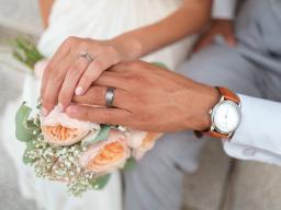 """Webinar: """"Hand drauf"""" - Verträge & Hochzeiten: Worauf ist zu achten?"""