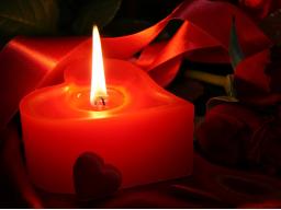 Webinar: LIEBE UND HINGABE-ZEREMONIE MIT SPIRITUELLER WEIHUNG, VERBINDENDEN SALBUNGSÖLEN UND AFFIRMIERENDEN DEKRETEN
