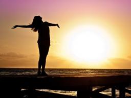 Webinar: 65% Rabatt! Mehr Glück, Harmonie und Lebensfreude, erfüllt im Augenblick leben - 3-tlg. Intensiv-Webinar