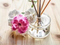 Webinar: Fernausbildung*AROMATHERAPEUT/IN*Massage